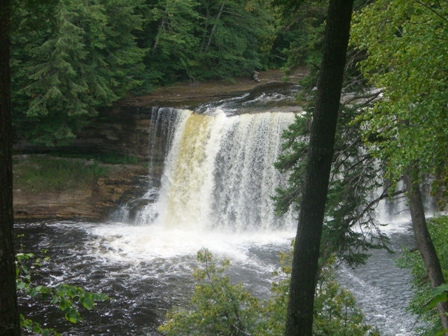Upper Tahquamenon Falls Long distance Zoomed In